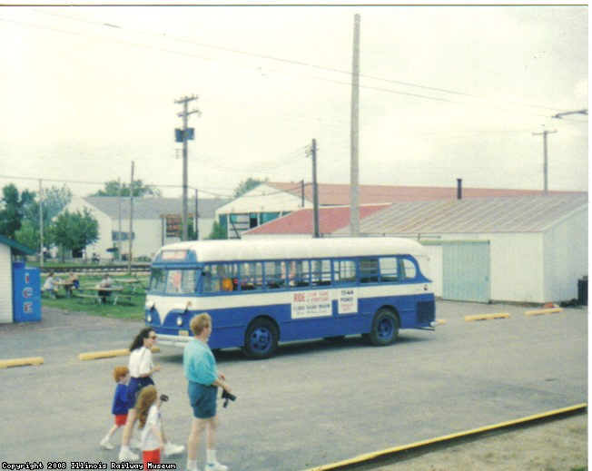 Ford Bus on Central Ave..jpg