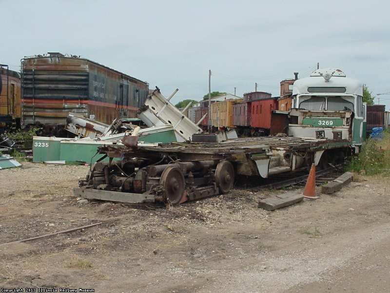 MBTA 3235 being scrapped August 4, 2002