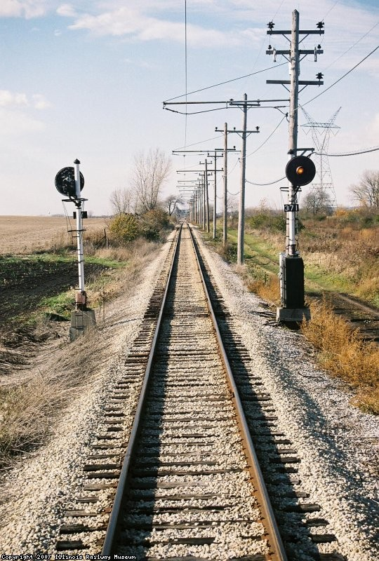 Signals 371 and 372 looking Westbound. US&S H-5 Searchlights, C&IM RR
