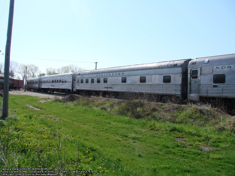 Streamliner train in Yard 11 for the last time May 2008