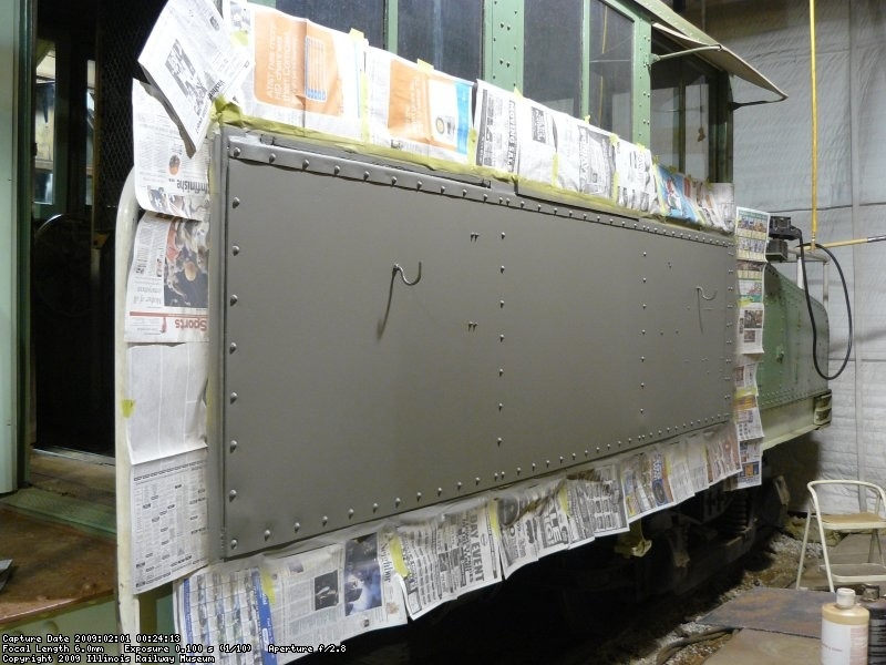 A Dupont self-etching primer was applied on the bare steel.