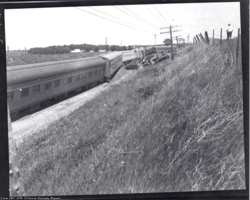 Iowa 1966 pic 2 of Peak in wreck