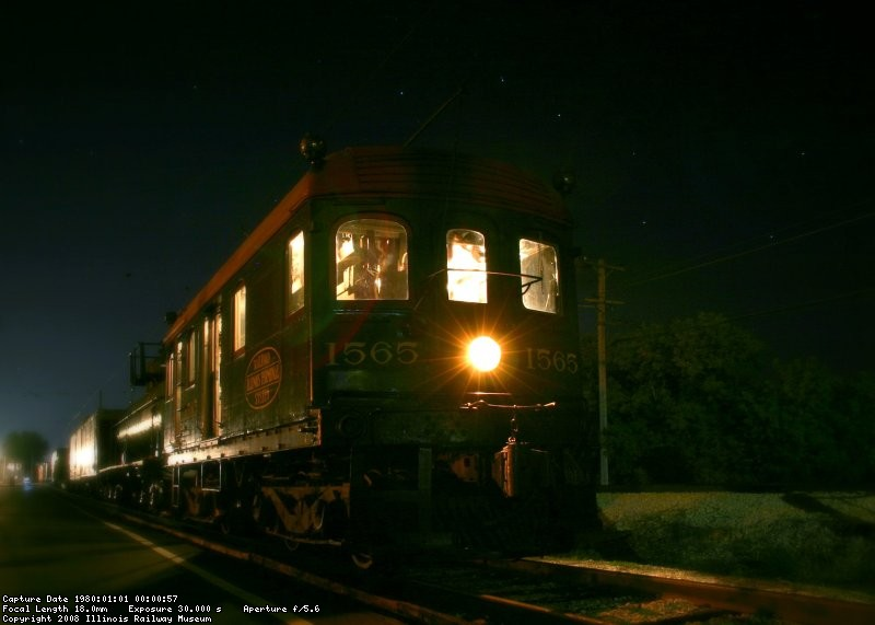 IT 1565 sits below the big dipper with the Peoria bound Local