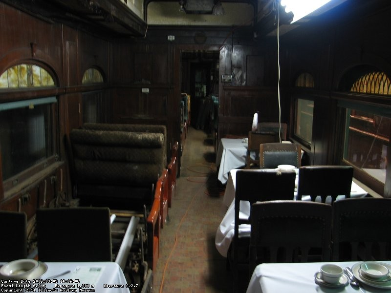 B&M 1094 dining area mar 2006 pic 1