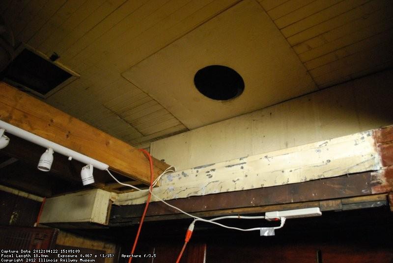 B&M 1094 2012-04-22 pic 01