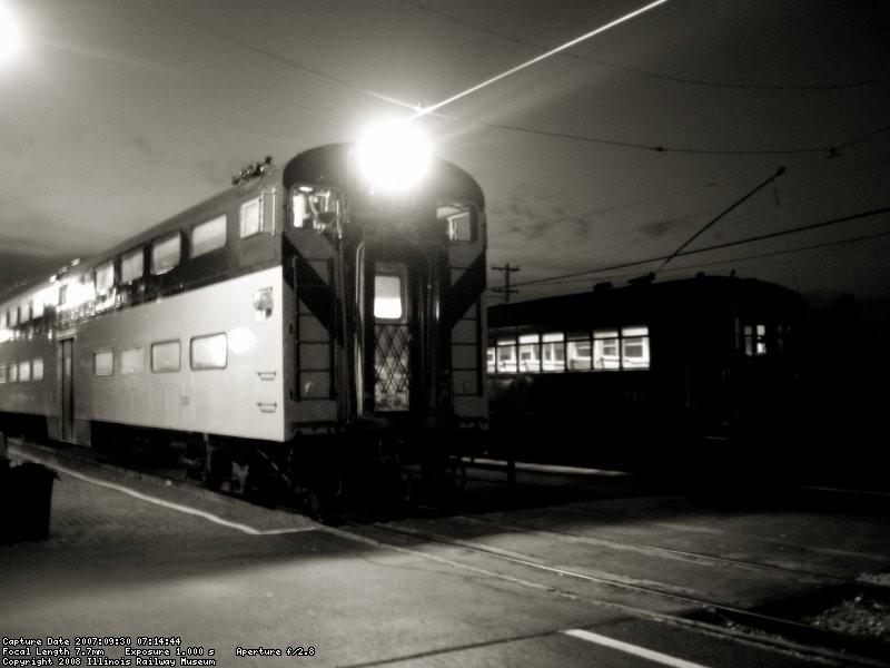 CNW & North Shore meet at Rivinia station...