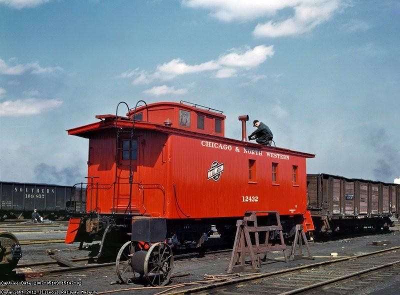 CNW caboose 12432 by Jack Delano