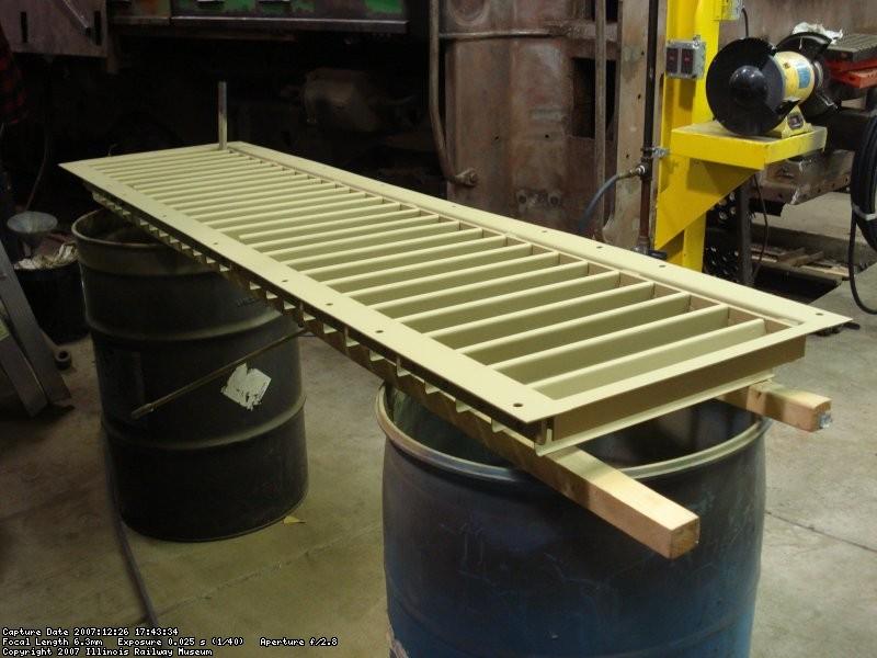 Primed radiator shutter
