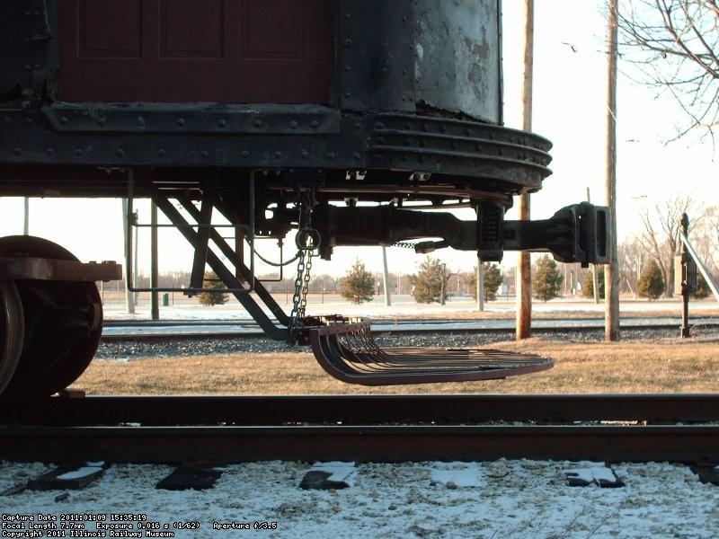 Michigan Electric 28 - Installed fender 9-Jan-11