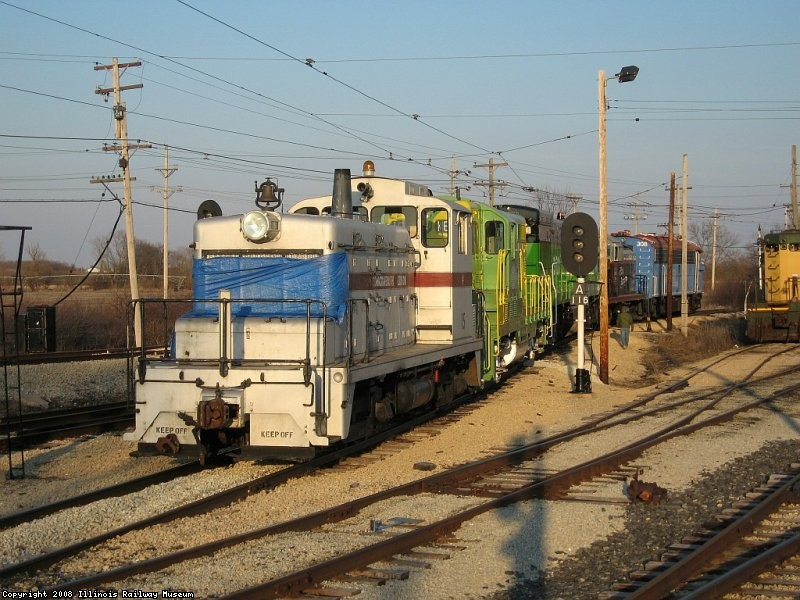 ComEd 15 sorts diesels at the diesel shop