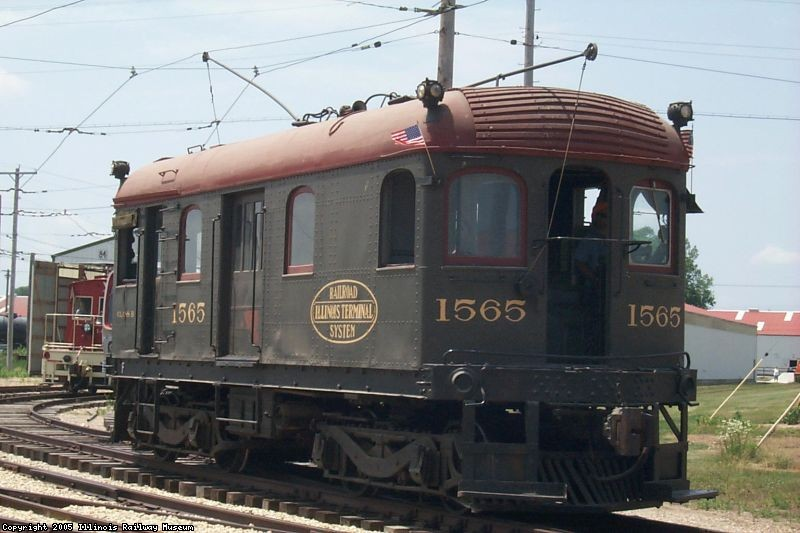 The IT 1565 gets ready for the parade (07/04/2002).