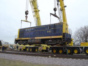 543 about to be lowered onto the track.
